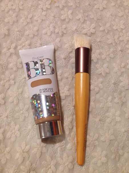 натуральный BB крем и кисть eco tools