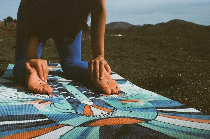 Как чистить коврик для йоги: 6 способов, которые работают