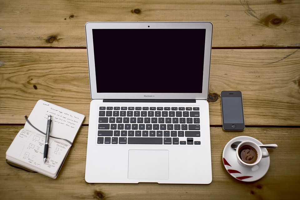 Как стать копирайтером: с чего начать и где искать работу