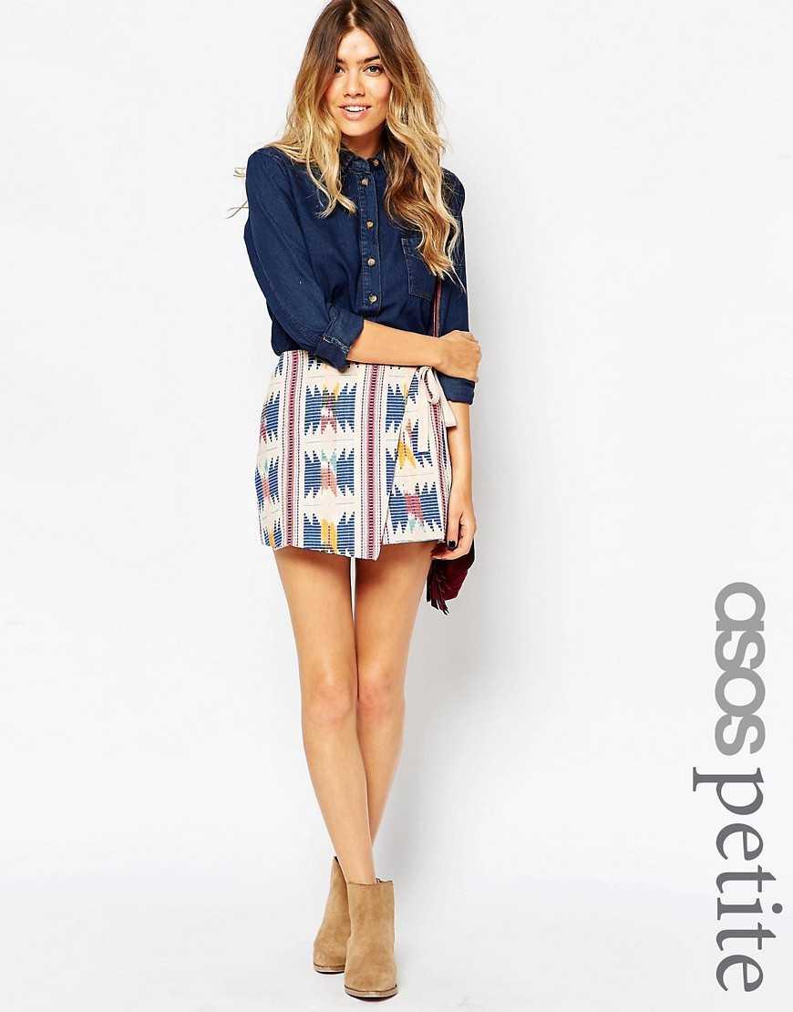 Мини-юбка с запахом и вышивкой ASOS PETITE— Ацтек