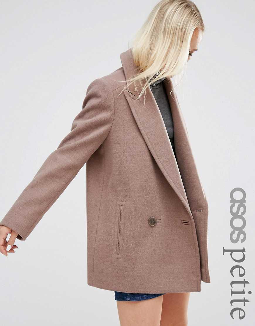 42141b156b8 Пальто для миниатюрных девушек  какое выбрать и где купить