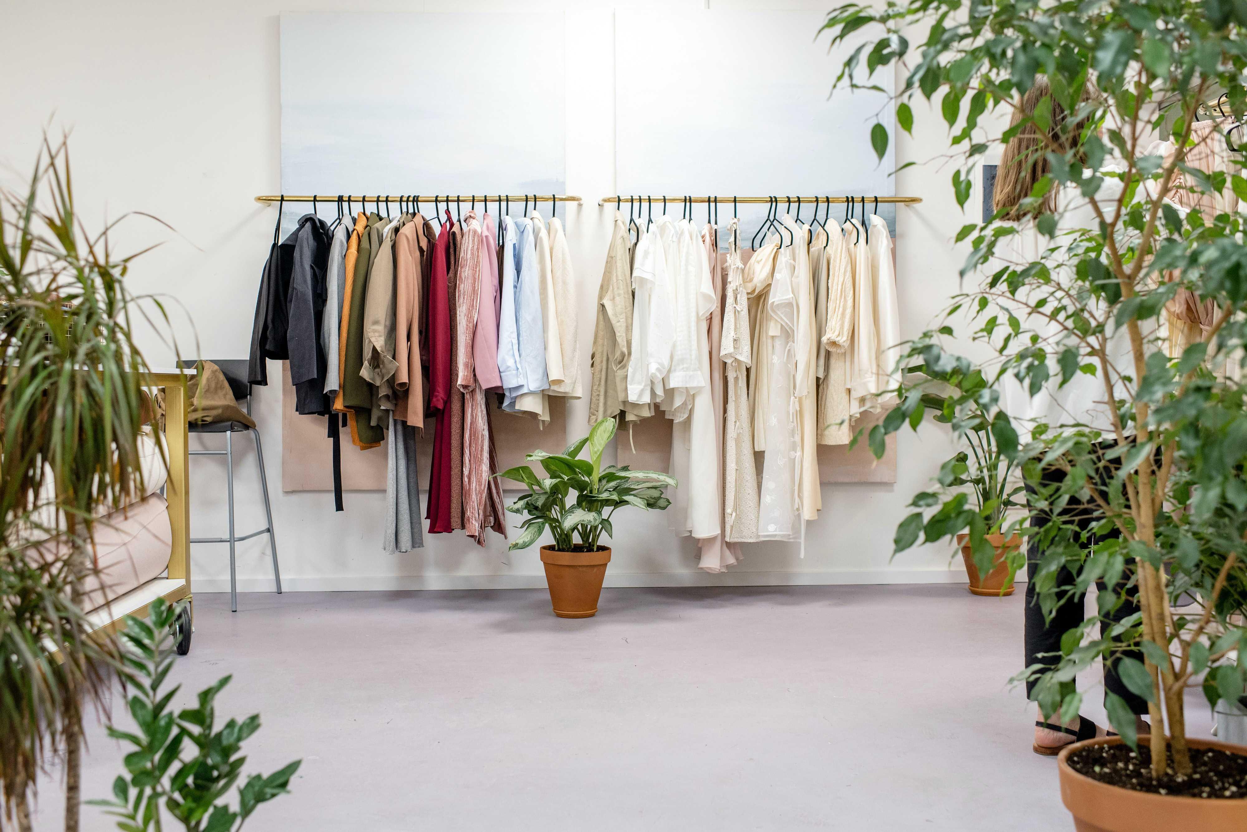 Как сформировать осенний гардероб для petite?